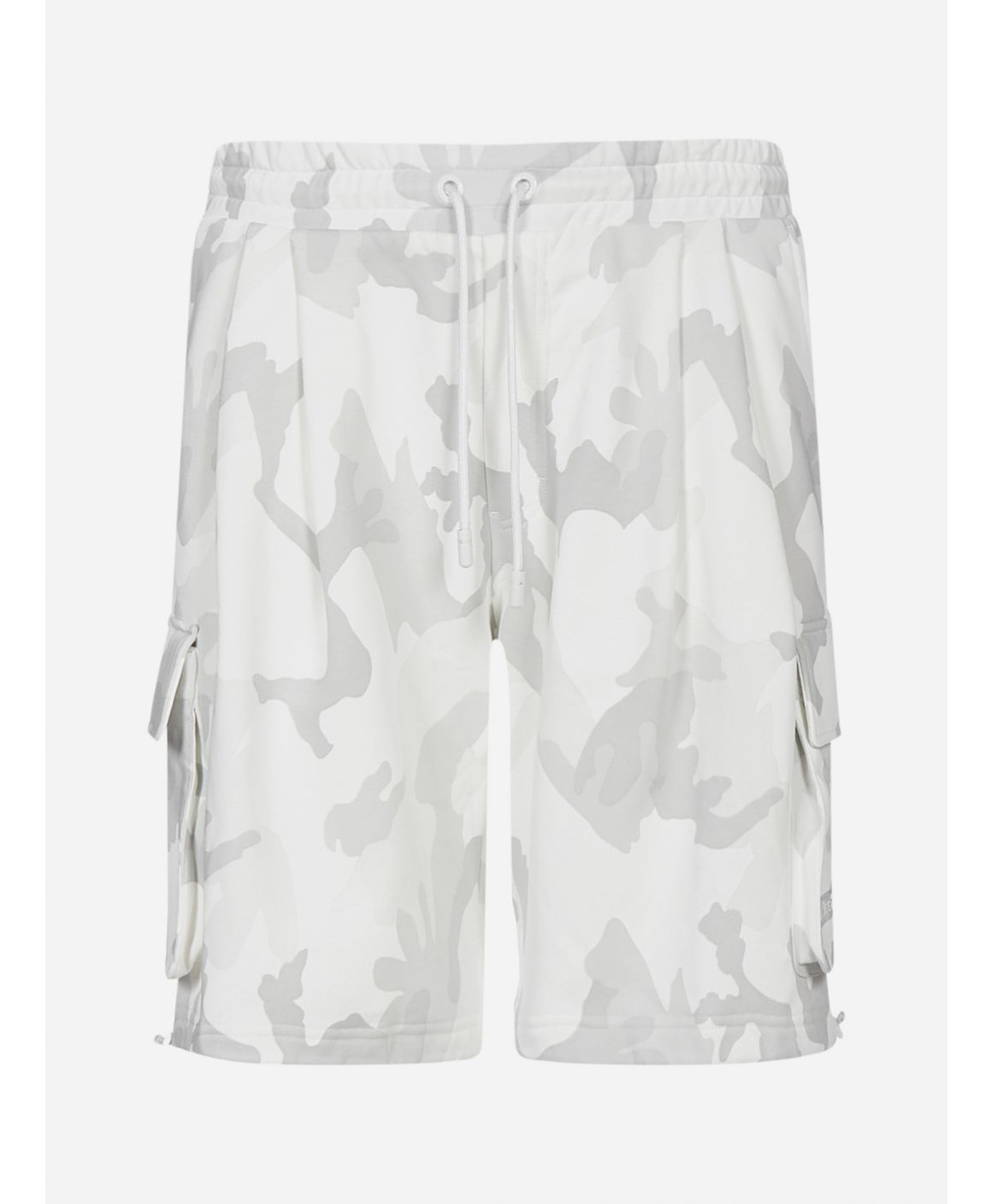 Camouflage print cotton cargo shorts